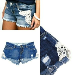 O'NEILL WOMENS SHORT DESTROYED LACEY DENIM SHORTS